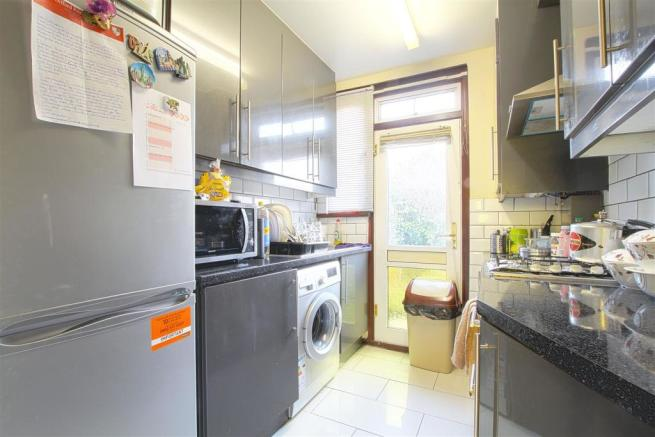 26 Princes Road_ Kitchen.jpg