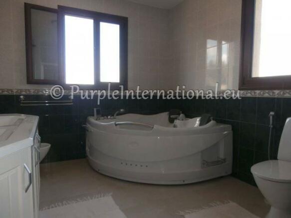 En Suite With Jacuzzi Bath