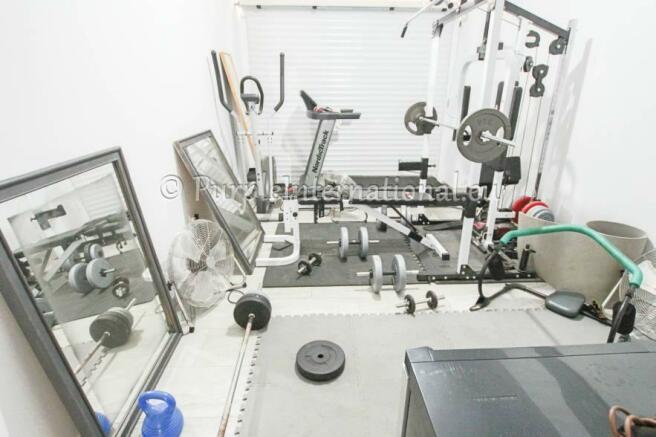 garage gym room