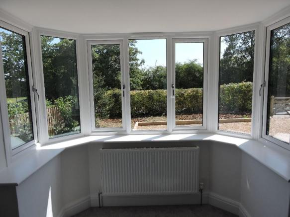 Bay window to Front
