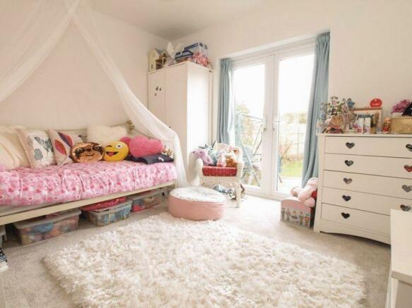 Bedroom 4/Dini...