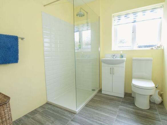 Shower/Cloakroom