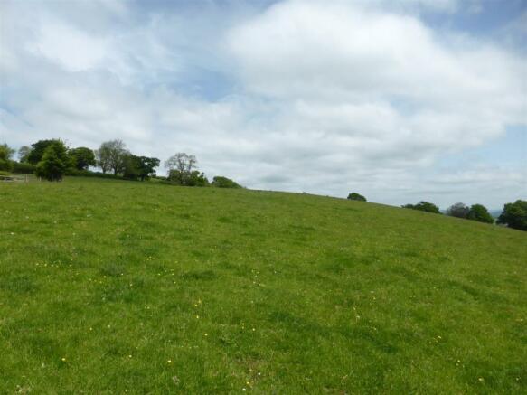 Cwmceiliog Fawr land