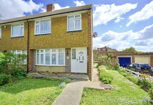 3 bedroom semi-detached house for sale in Highlands Road