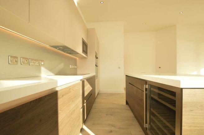 Kitchen (Apt 25)