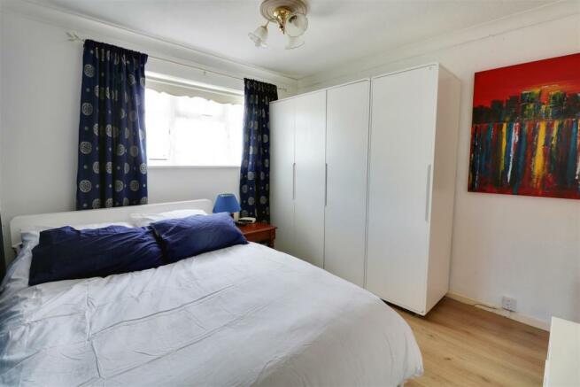 bedroom opt 2.jpg