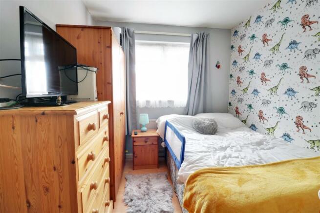 bedroom opt 1.jpg