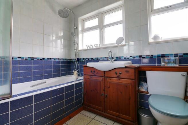bathroom opt 1.jpg