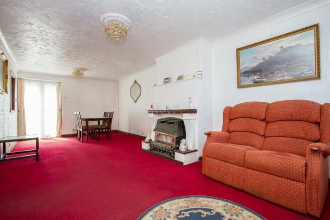 lounge 34567.jpg