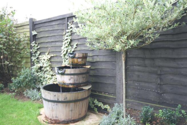 Garden Feature..JPG