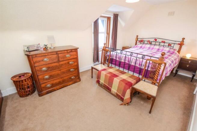 Bedroom 31487334587.jpg