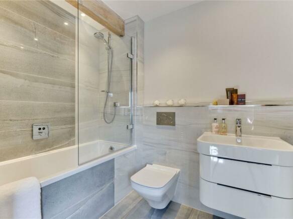Show Hoem Bathroom