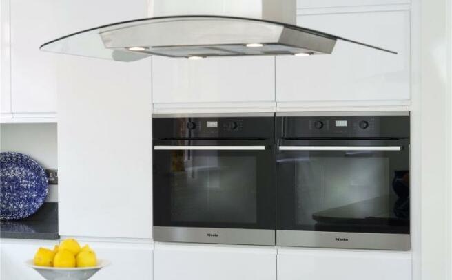 Plot 5 Ovens