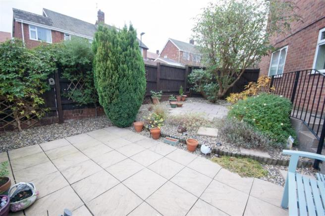 4 bedroom semi-detached house for sale in Highside Drive ...