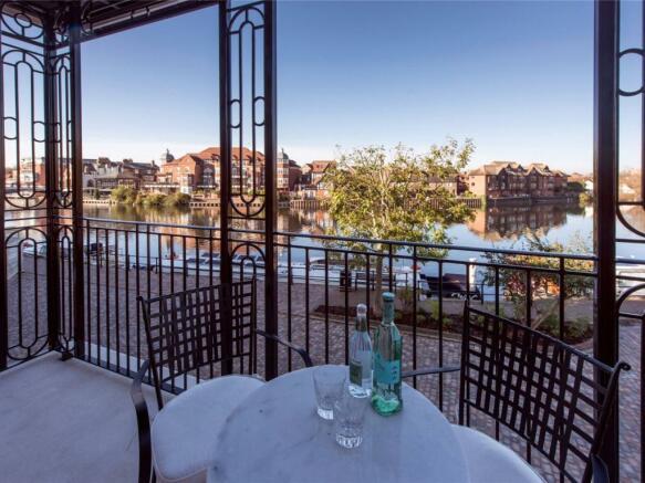 Balcony River Views