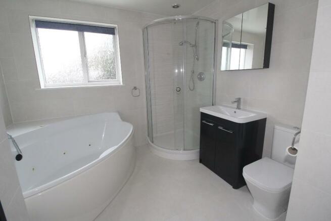 Family Bath/Shower/W