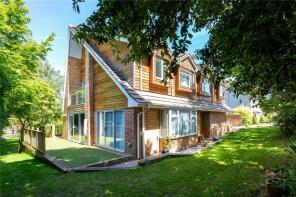 Photo of Hillside Close, Winchester, Hampshire, SO22
