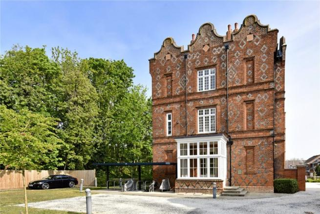 2 bedroom apartment to rent in The Gables, Eton Wick Road