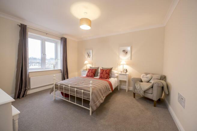 Windsor Bed 2