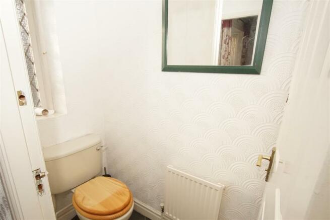 Cloakroom.  2.jpg