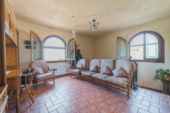 Rustic villa with po