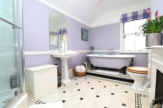 Bathroom,n.JPG