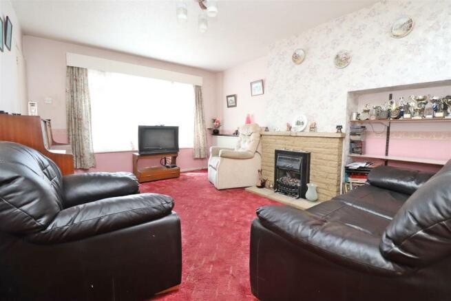 Living room n.JPG