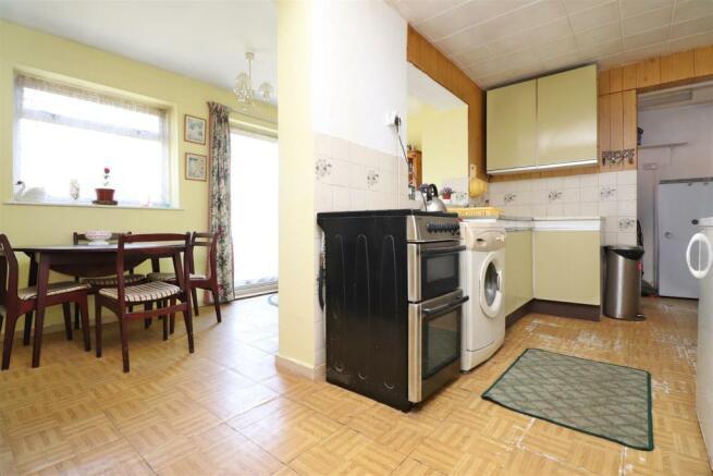 Kitchen n.JPG