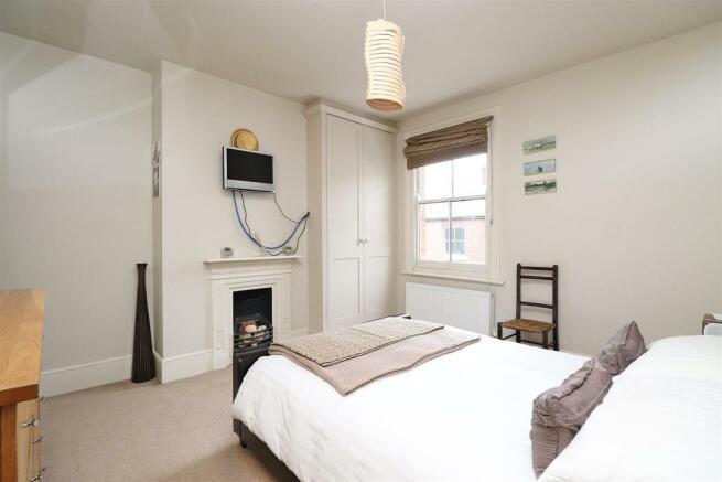 Bedroom1,n2.JPG