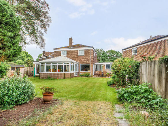 4 bedroom detached house for sale in Horsham, West Sussex ...