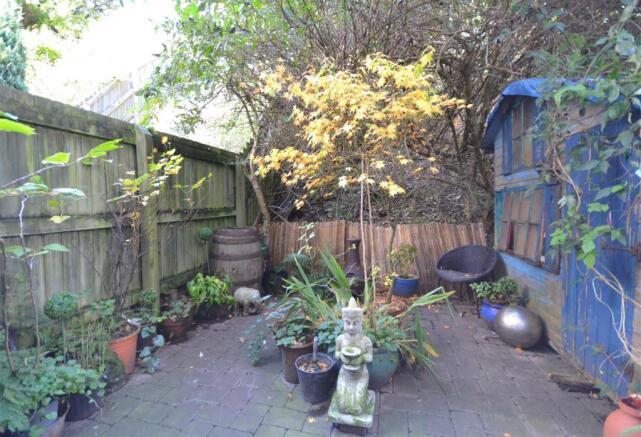 5 Rear garden.jpg