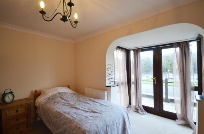 8 Bedroom 1.jpg
