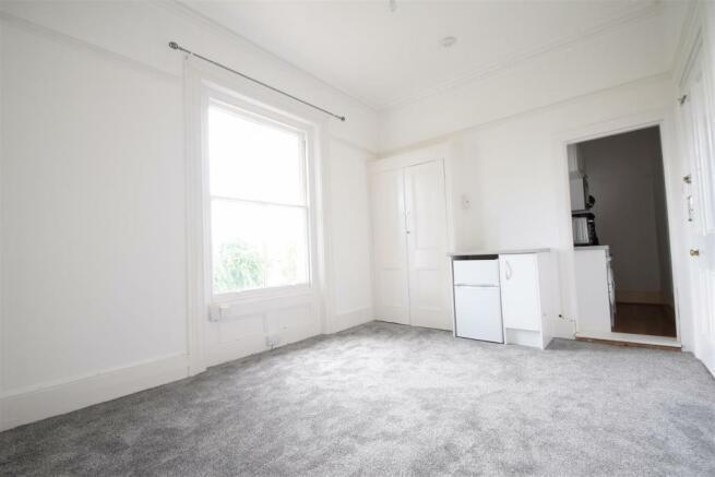 bedroom lounge2.JPG
