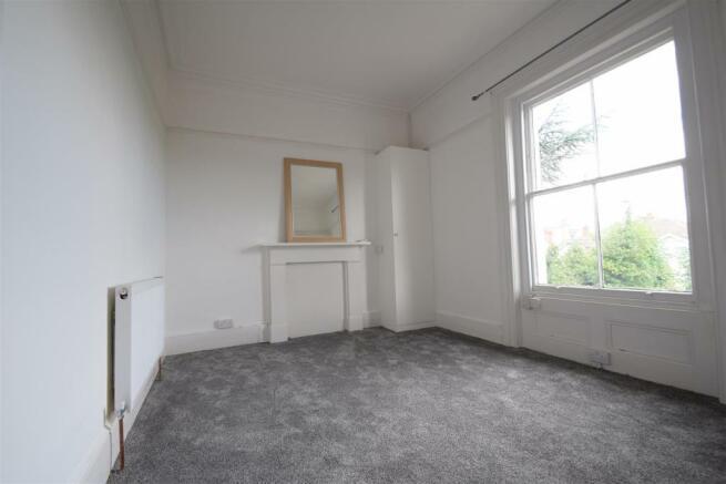 Bedroom lounge 4.JPG
