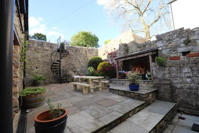 5 Bedroom Character Property For Sale In Dimlands Road