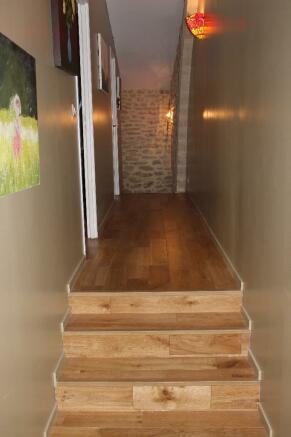 Upper hallway in oak