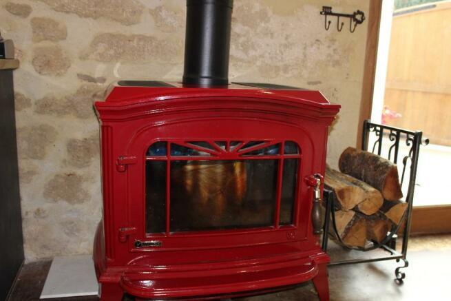 Invictus wood stove
