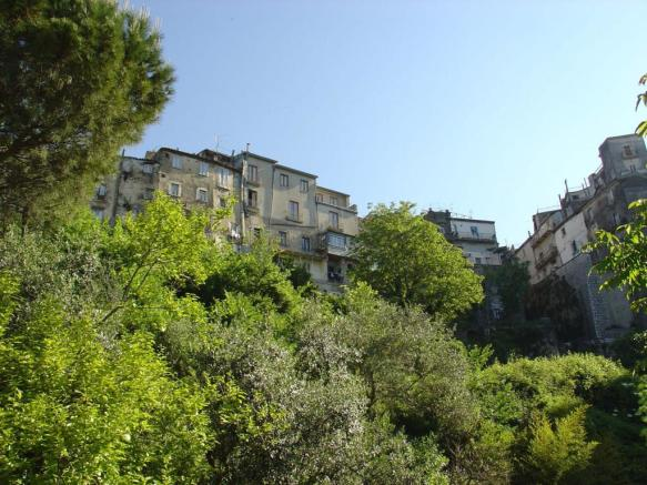 4 Bedroom Character Property For Sale In Campania Benevento