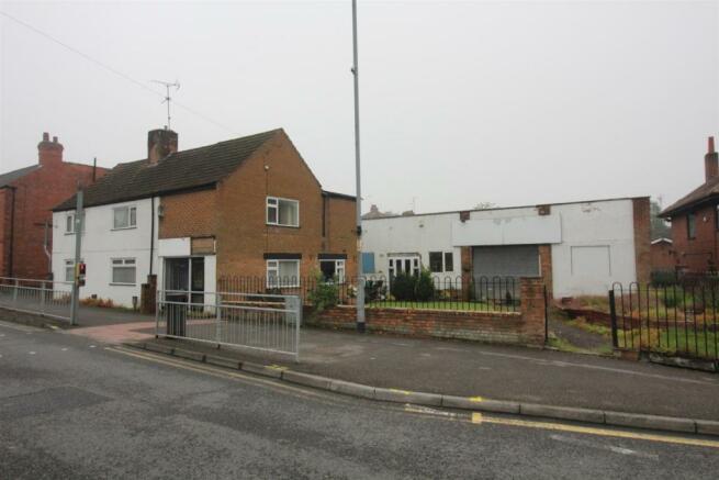 298 Southwell Road East  pic 1 roadview (3).JPG