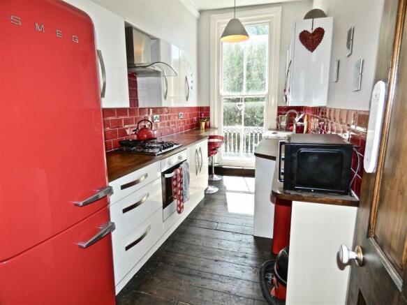 Good sized kitchen.jpg