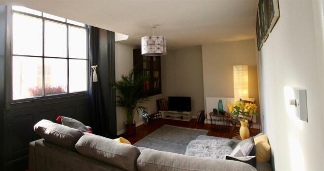 Good sized living room.jpg