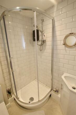 Modern Shower Room.jpg