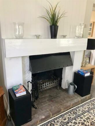 Working fireplace.jpg