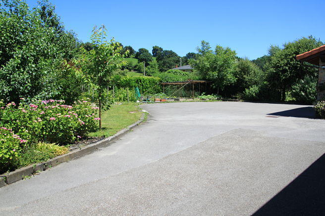 driveway and parking