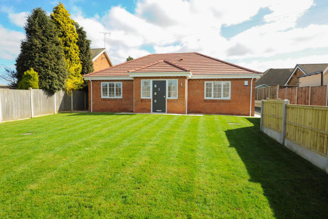3 bedroom detached bungalow for sale in 67, Ringer Lane
