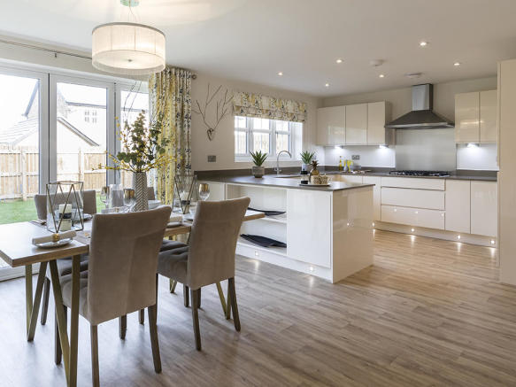Spacious, fully integrated kitchen/dining/family room