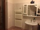 Bathroom (right sd.)
