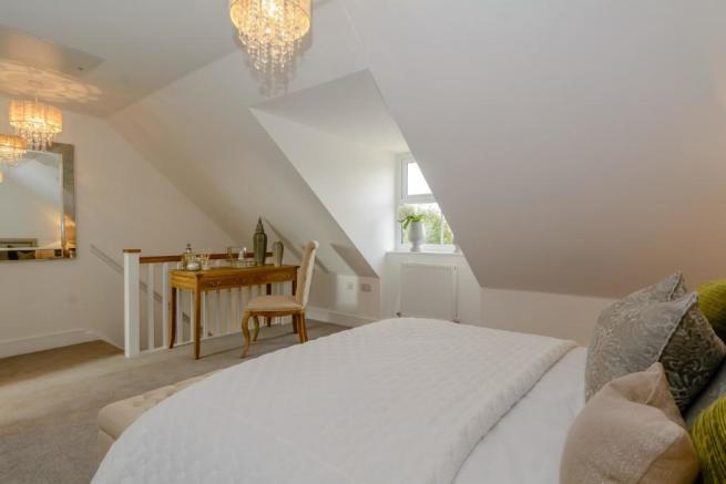 4 Bedroom Detached House For Sale In Amberley Broad Lane