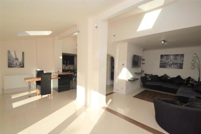 Living Area - view 1