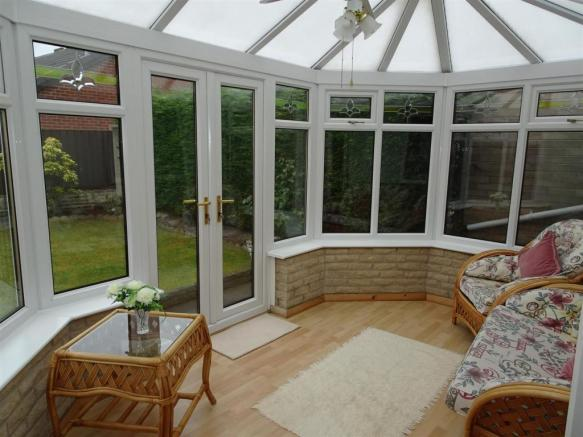 2 Bedroom Semi Detached Bungalow For Sale In 7 Linnet Mount Thorpe